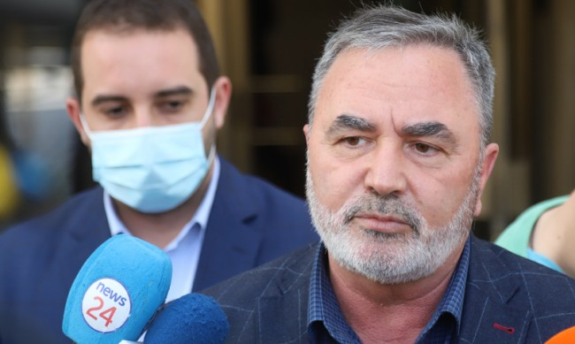 Кунчев: Не е нужна масова реимунизация, безумно е да имаш държавата за враг