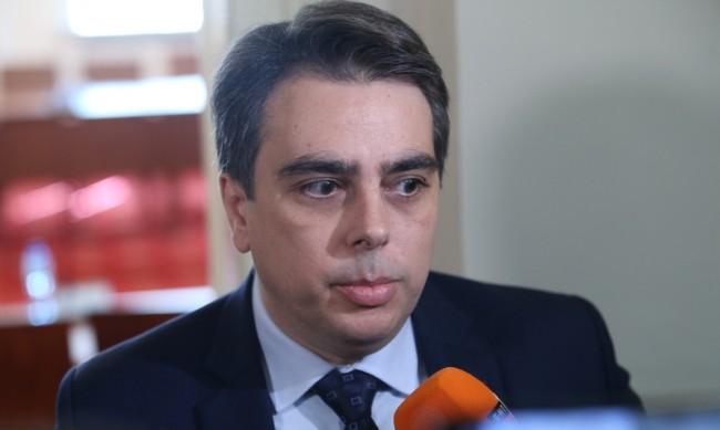 Асен Василев ще се бори за министерски пост, а не за премиерски