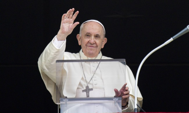 Папа Франциск призова да не се затварят вратите пред мигрантите