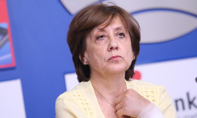 Ренета Инджова: Погледнато реално, Борисов не е свален