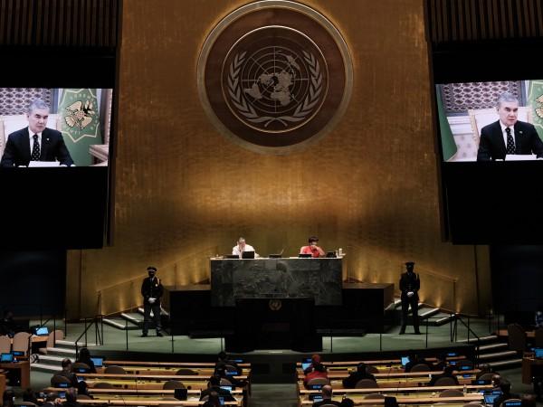 Коронавирусът тормози страните по целия свят вече две години, но