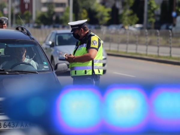 Служители от Районно управление Руен снощи са спрели за проверка