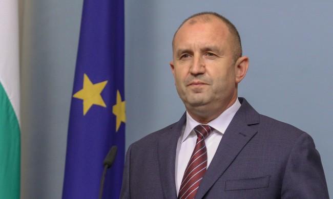 Радев зове Борисов да се изправи срещу него на изборите за президент
