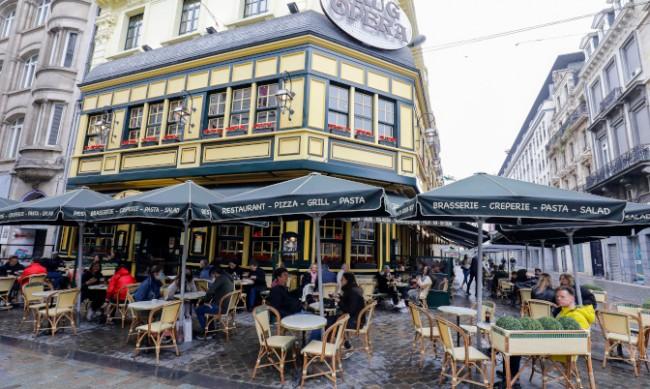 Белгия премахва ковид облекченията за ресторантьорите