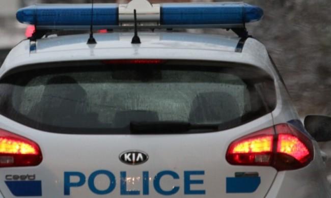 Мъж с 16 присъди преби и ограби възрастна жена