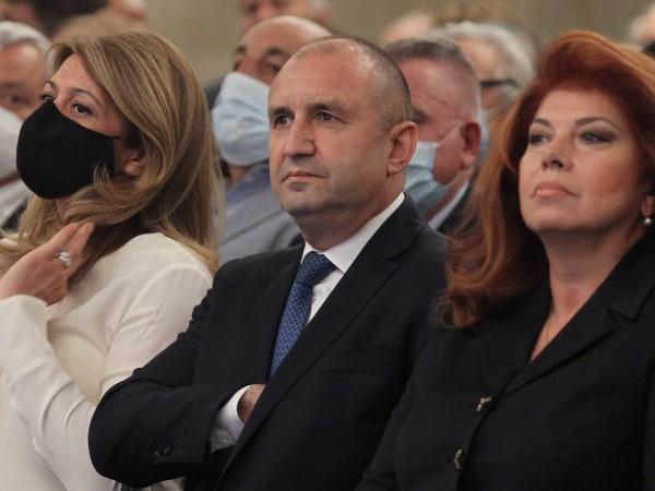 Снимка: Димитър Кьосемарлиев, Dnes.bgПсихиатърът д-р Цветеслава Гълъбова, журналистът Анна Заркова