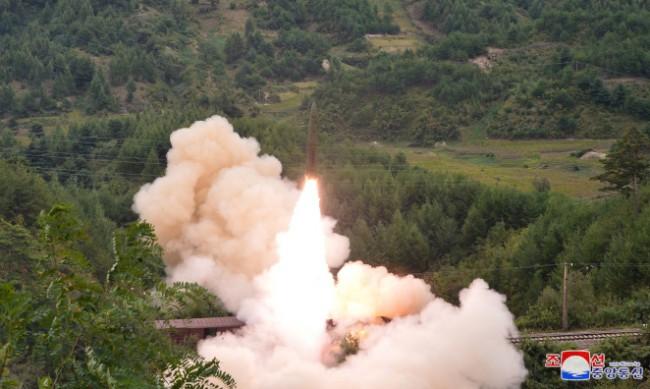 Северна Корея пред ООН: Имаме право да тестваме оръжия