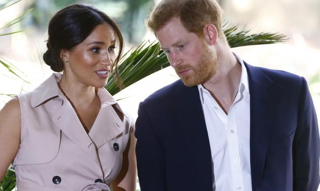 Кралското семейство се притеснява от завръщането на Хари и Меган