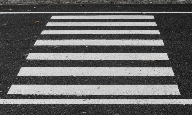 """Кола блъсна пешеходка в столичния """"Младост"""" 1"""