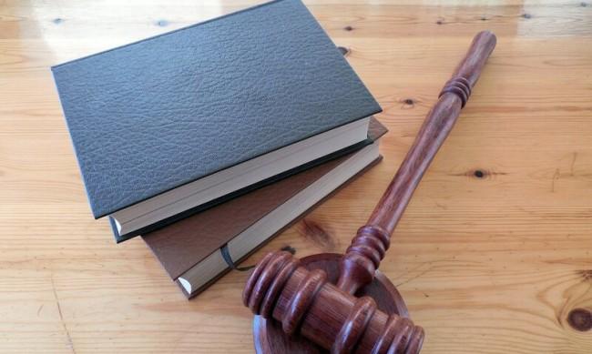 Съдят кандидат за депутат, раздавал салам и леща