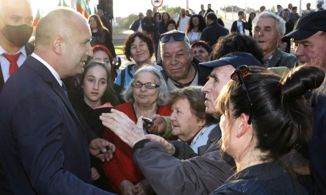 Румен Радев: Съдбините на отечеството се коват със смелост