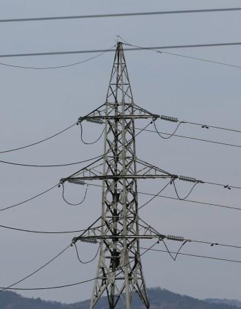 Прогноза от КЕВР: 20-30% по-скъпи ток и парно от 1 януари