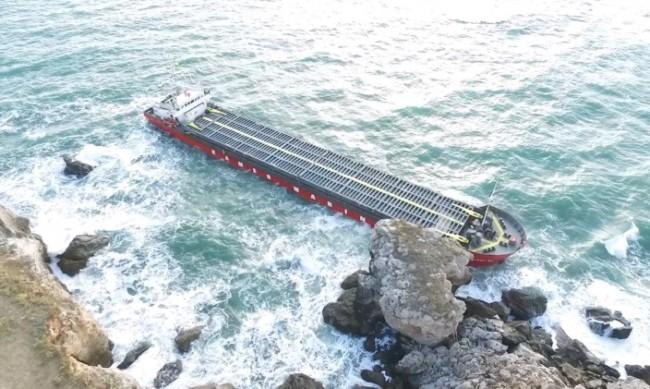 """Започна евакуацията на част от екипажа на """"Вера Су"""""""