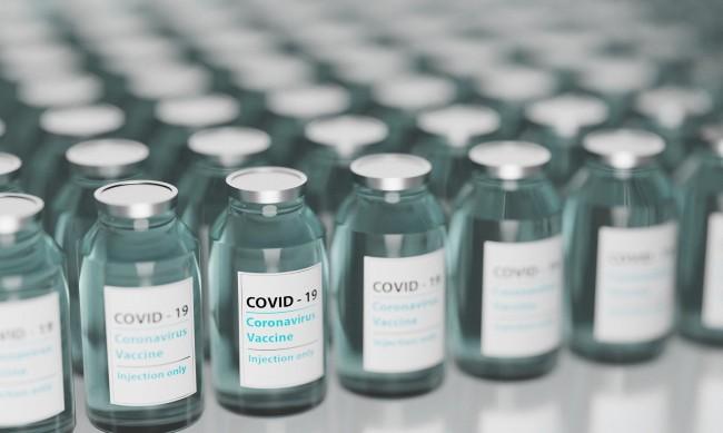 Откриват мобилен пункт за ваксинация на летище София