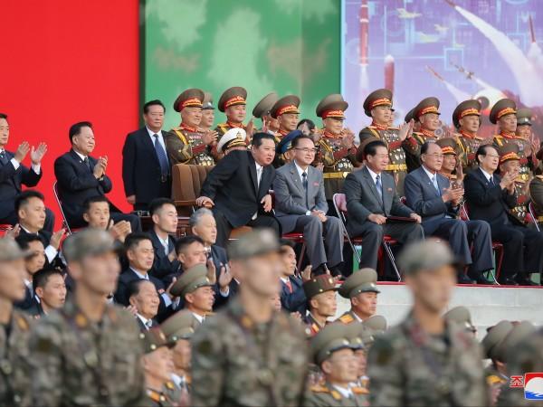 Севернокорейските държавни медии излъчиха кадри, на които войници демонстрират бойната