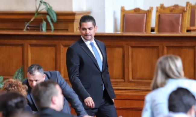 Депутат от ИТН: Трудно се прави нещо хубаво в България, във футбола - още по-трудно
