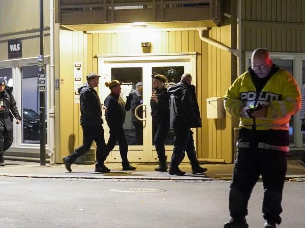 Петима са загинали при нападението с лък в Норвегия. Мъж,