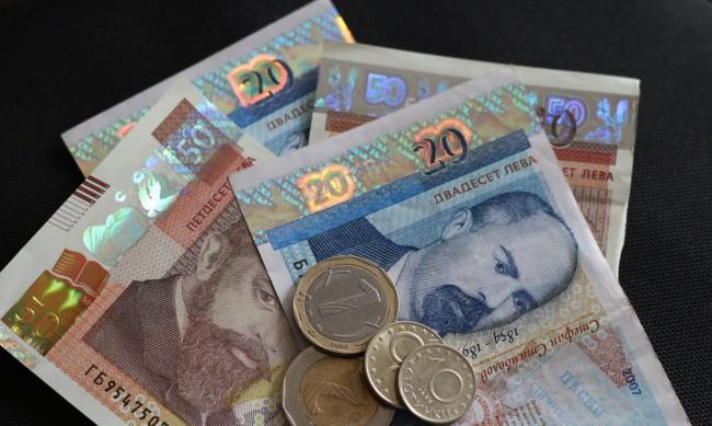Работодатели искат заплатата само по банкова сметка