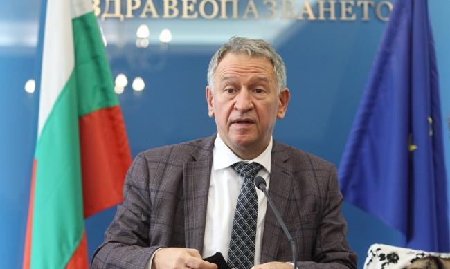 Кацаров не изключва допълнителни ограничения заради COVID-19