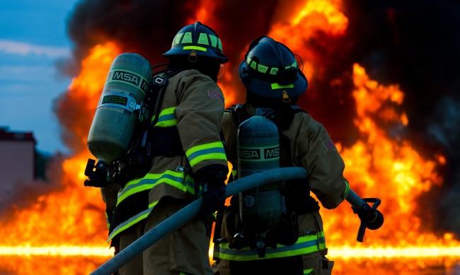 Пожар в сграда в Тайван уби 46 души