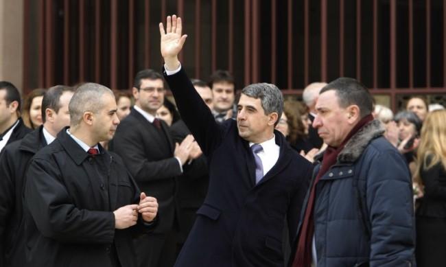 Плевнелиев: Партиите се скриха зад инициативни комитети