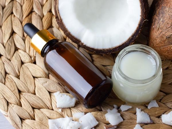 Кокосовото масло принадлежи към елитна група от естествени съставки, които