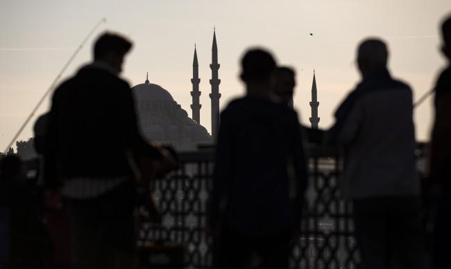 В Турция на кино и за хляб - само със сертификат