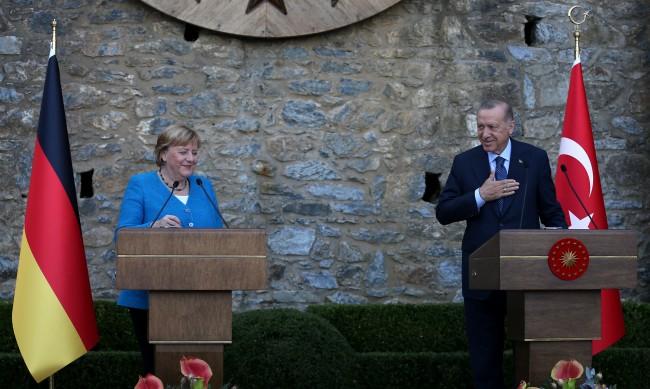 Расизмът и ксенофобията - основни проблеми за турците в Европа
