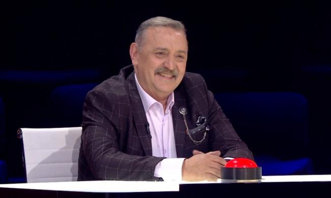 """Проф. Кантарджиев част от  мъжката част от журито на """"България търси талант"""""""