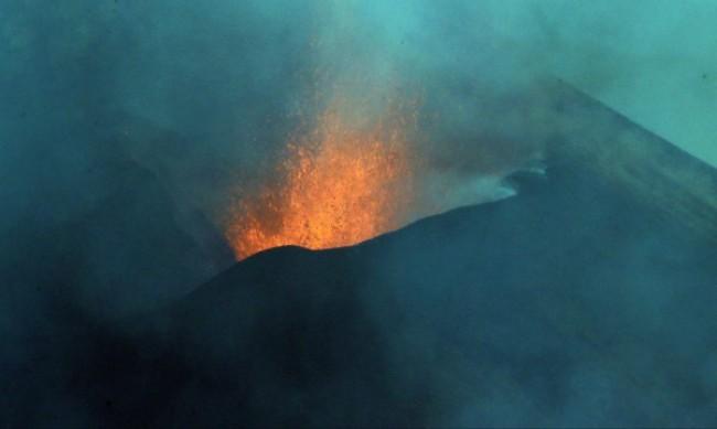 Отново земетресение на остров Палма заради вулкана Кумбре Виеха