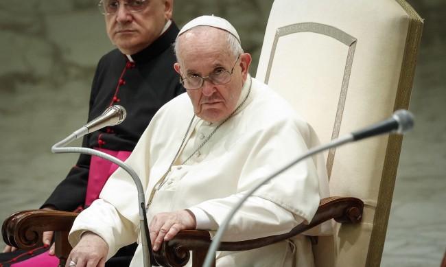 Папа Франциск призова: Нека всеки народ има достъп до ваксината