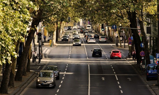 Ново проучване: Старите коли са по-екологични от новите