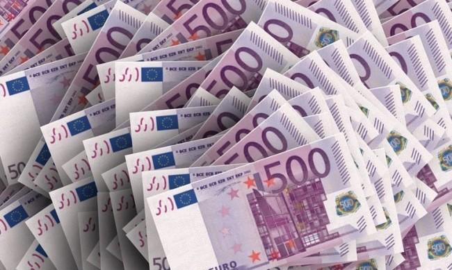 Митничари откриха 100 000 недекларирани евро на Дунав мост 2