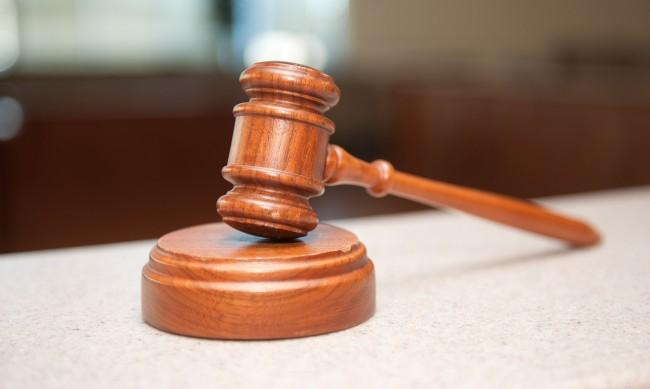 Четирима отиват на съд за участие в престъпна група за данъчни измами