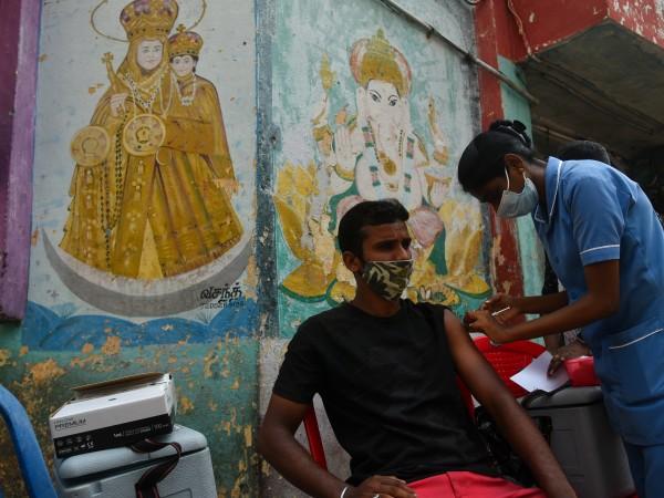 В Индия днес беше поставена милиардната доза ваксина срещу COVID-19.Още