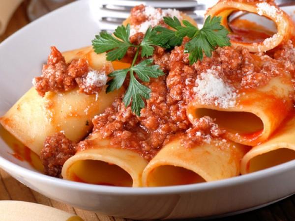 Продукти:1/2 килограм сурова италианска наденица или свинска, каквато намерите в
