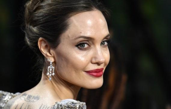Анджелина Джоли най-сетне има време за срещи