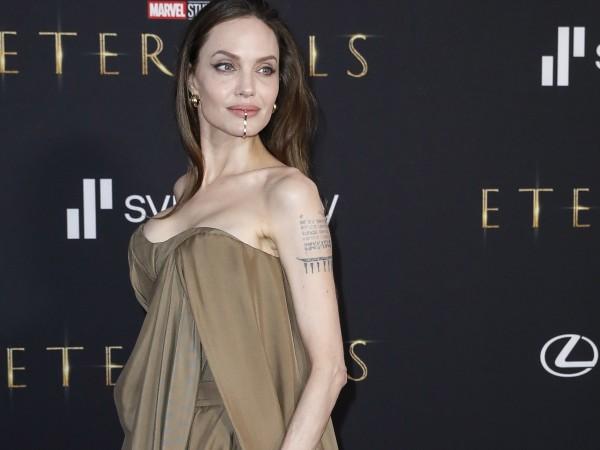 Само преди няколко дни Анджелина Джоли и Салма Хайек бяха