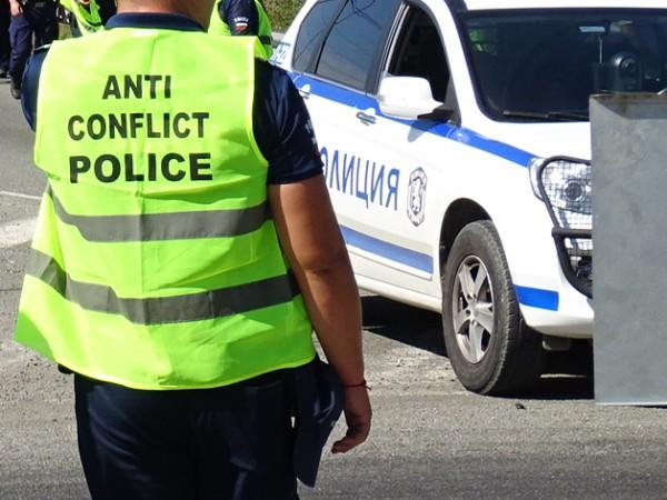 Жители на населени места от Лознишко блокираха за час движението