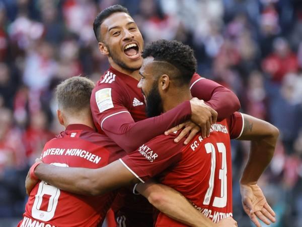 Байерн Мюнхен постигна наглед лесна домакинска победа с 4:0 над