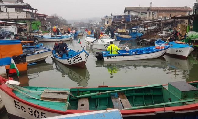 Всяка година уловът на рибарите от Ченгене скеле е все по-слаб