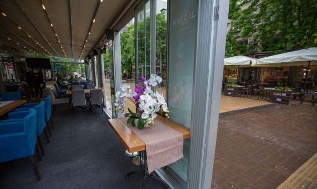 Над 1/5 от заетите в ресторантьорството са без договор