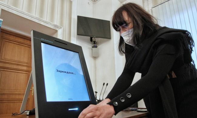 Жандармерията охранява склада с машините за изборите