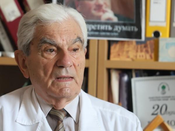 Академик Богдан Петрунов, известен специалист по имунология, категорично не препоръчва