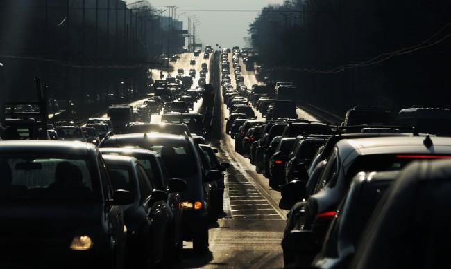 За по-чист въздух: 1000 лева глоба за стара кола в центъра на София?