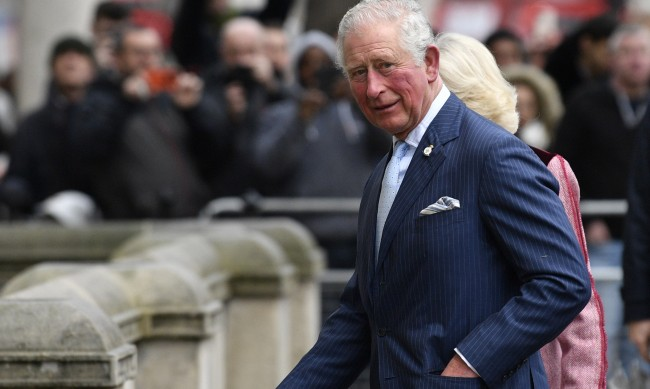 Принц Чарлз трябва да се притеснява от книгата на Хари