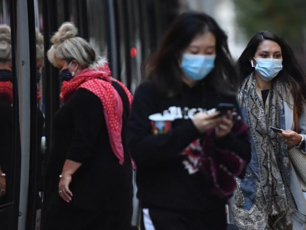 Задължението да се носят предпазни маски в обществения транспорт във