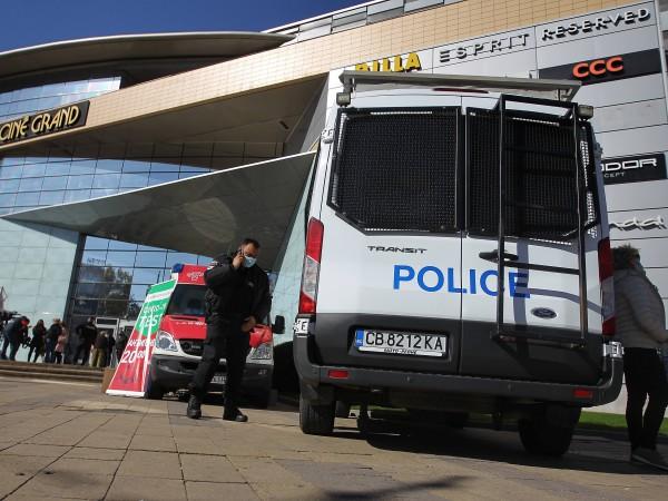 Снимка: Димитър Кьосемарлиев, Dnes.bgСДВР и столичната РЗИ извършиха проверка в