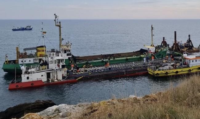 """Сагата с """"Вера Су"""" приключи, корабът е изтеглен и потегли към Варна"""