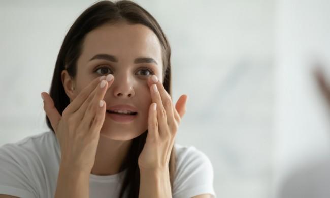 Как да намалите тъмните кръгове под очите?